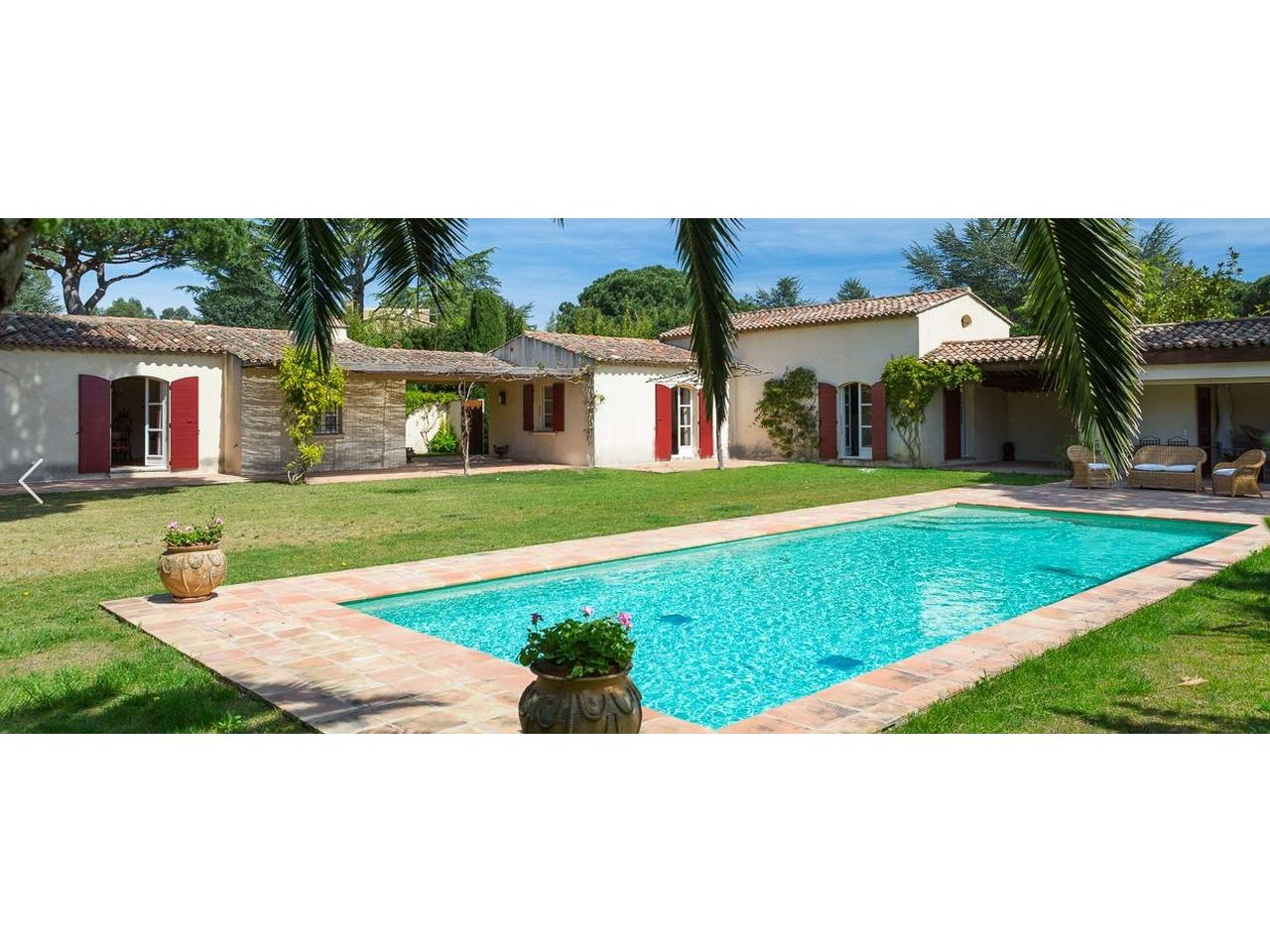 Wonderful bastide surrounded by trees, les Parcs St Tropez